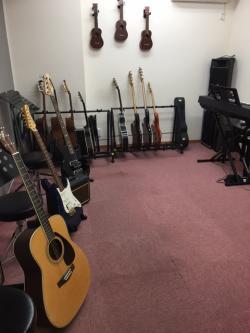 大人の音楽レッスン ギター部屋