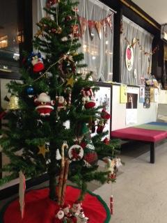 クリスマスツリーでお迎え♪