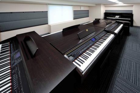 ピアノ レッスンルーム1