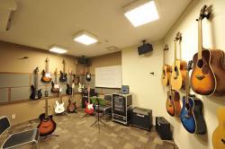 手ぶらでレッスン|ギターレッスンルーム