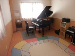 ピアノ個人レッスン室1