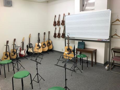 ギターとウクレレ専用のお部屋です♪