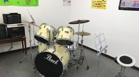 小学生のためのドラムスクール