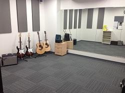 ギター等のお部屋