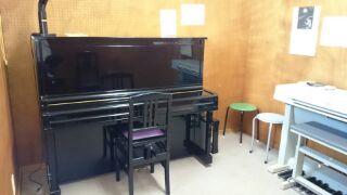 ピアノレッスン部屋