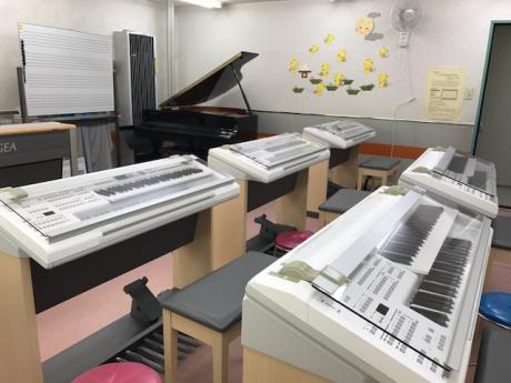 明るくて広い教室!!