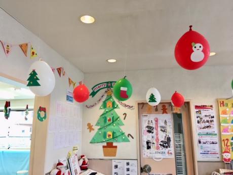 ロビーもクリスマスの飾りつけに・・・♪