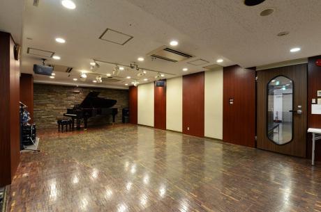 地下ホールmusicHARBOR