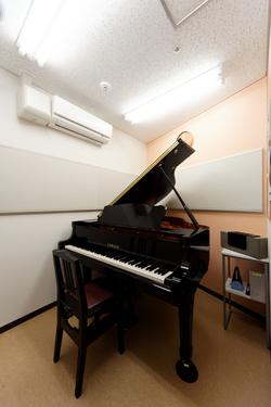レッスンルーム ピアノ