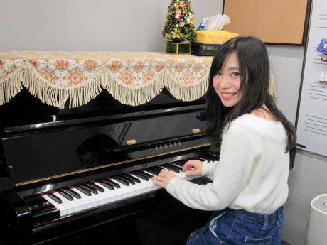 木村先生(塚本センター ピアノにて)