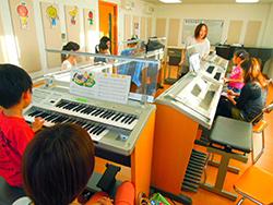 グループレッスン‐音楽幼児科2年目保護者の声