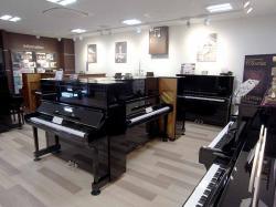 鍵盤楽器ショールーム