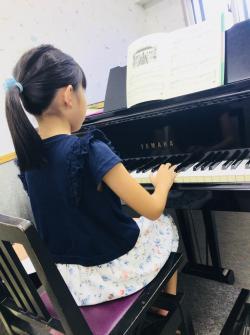 ♪グランドピアノでレッスン♪